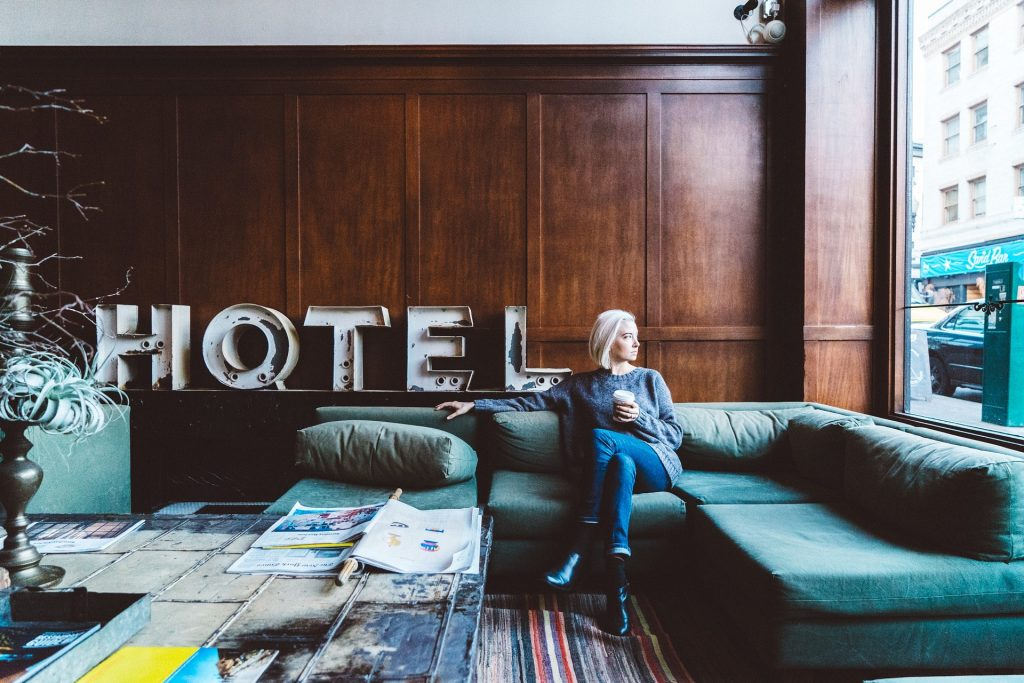 what you need to have on hotel website